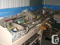 N scale model Railroad layout,,10 ft longe complete