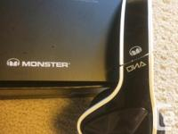 Monster DNA headphones in mint condition. Lightly used. for sale  Quebec