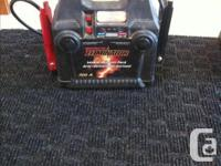 Does not come with wall AC adapter * MotoMaster 700A