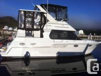 2001 32' CARVER Motor private yacht in spotless health