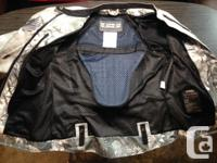 Women's size MEDIUM - a like new Speed and Strength