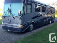 Motorhome 2004 Newmar - 40 ft. Mountain Aire, Two