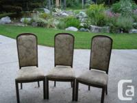 Set of 3 dining chairs. Strong wood structures. Good