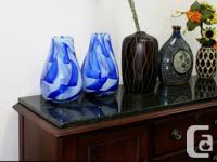 Trois(3) vases bleu 12 pouces de haut: 10$ chaque ou