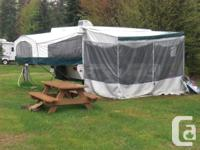 Luxury tent trailer Palomino Mustang 2004. 14 feet of
