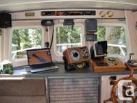 Built 1975. Fiberglass hull, roomy stern w/hydraulic