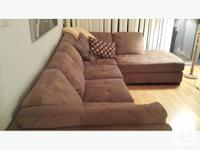 Nearly brand new stylish sectional in grey/taupe
