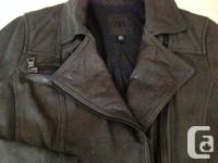 (size S) Almost NEW Banana republic vintage biker 100%