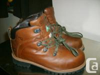 Dakota hiker, 8 - 8 1/2 New CSA approved leather boots,