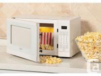 Haier 0.7 Cu. Ft. Microwave (HMC722BEWW) - White Brand