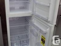 """NEW FROST FREE 24"""" WHITE FRIDGE W/WARRANTY Top freezer"""