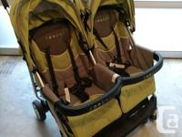 Zooper double stroller - Green Comes with foot cover