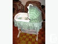 Simplicity 4-in-1 Deluxe Bassinet/Adjoining Sleeper a