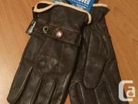 Very nice new all leather Work 'N Horse gloves.