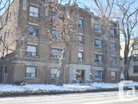 1592 Bathurst Street Toronto, Ontario M5P 3H9 Bathurst
