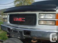 Nice straight 8ft Chev or GMC pick-up box Straight