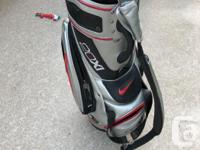 Pro style golf bag. I'm great shape, tons of pockets,