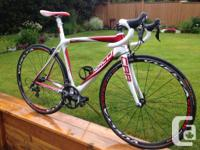 Full carbon fibre frameset. Shimano 105 10 Speed