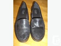 "1st pair: Ladies leather ""Clark bendable"" shoes. Size"