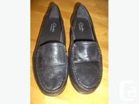 "1st pair: Ladies leather ""Clark bendable"" shoes. Size"