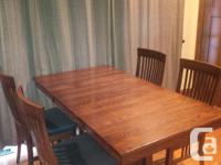 Strong Oak Table in new disorder with 4 matching oak