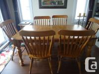 DINING ROOM SET IN OAK WITH 6 CHAIRS. THIS SET IS IN