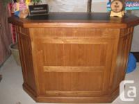 Complete your family members area with a Solid Oak Bar