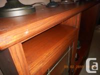 OAK TV ELECTRONICS STAND ON ROLLERS, LEADED GLASS