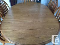 Beautiful dining table with 6 chairs. Table and chairs