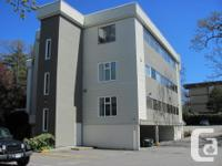 Great location with 1752 sq. ft!!! Office space for