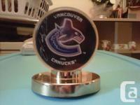 Official Vancouver Canucks Mark Messier signed