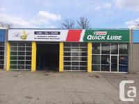 Royal lube Castrol quick lube Oil change Castrol