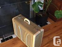 This custom built amp is hand-crafted, carefully