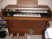 this organ has sincrised music. plays many tunes. it