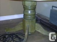 """Oak table with one extension insert is 5' long and 42 """""""