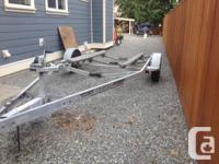 Heavy duty galvanized single axle boat trailer. Unsure