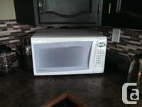 Panasonic Microwave with Inverter Technology! 1.2 cu.