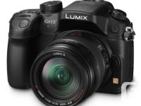 Excellent condition! Gently used,, Lumix DMC-GH3, comes