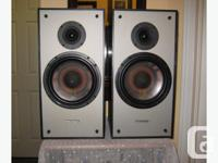 Very highly reviewed large bookshelf speakers from this