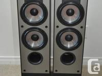 A pair of black Paradigm Monitor 7 speakers for sale.