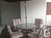 Patio 6 Piece Dining Set  Very comfortable, neutral