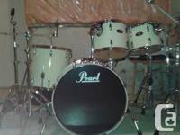 These Pearl Vision birch drums are in great condition