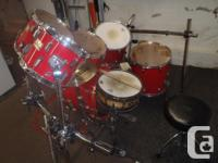 Candy Apple Red 7 Piece Pearl World Star Drums Comes