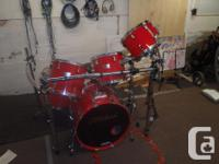 Pearl World Star Drums 7 Piece Candy Apple Red Comes