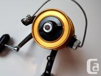 Older spinning reel in very good condition. Had light