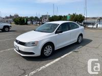 Make Volkswagen Model Jetta Year 2013 Colour White kms