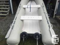 looks like new perfect condition, 2 seater, titan 10
