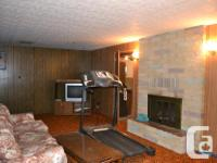 # Bath 2.5 MLS 2433125 # Bed 6 This huge, perfectly