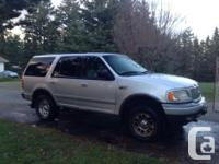 Make Ford Model Expedition EL Year 2001 Colour GREY