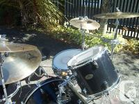 Combined with this Pearl Forum Series drum kit are a